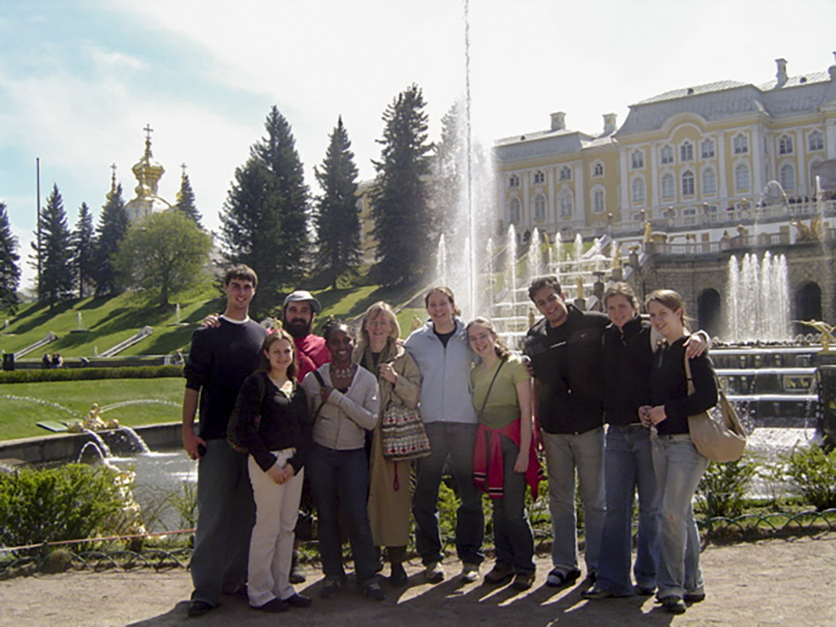 Costlow with her students in front of the 18th-century Peterhof Palace, home of Peter the Great. (Courtesy of Jane Costlow)
