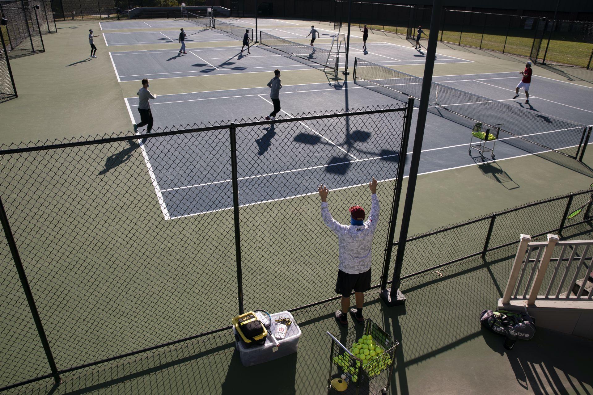 Men's tennis practice
