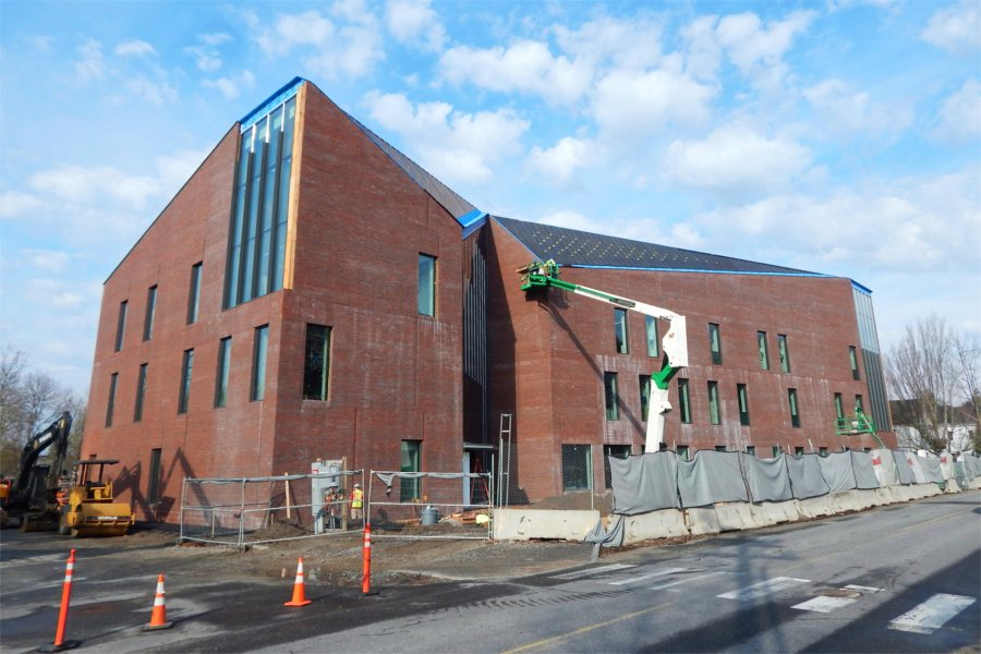 The Bonney Science Center seen from the junction of Campus Avenue and Bardwell Street on April 21. (Doug Hubley/Bates College)