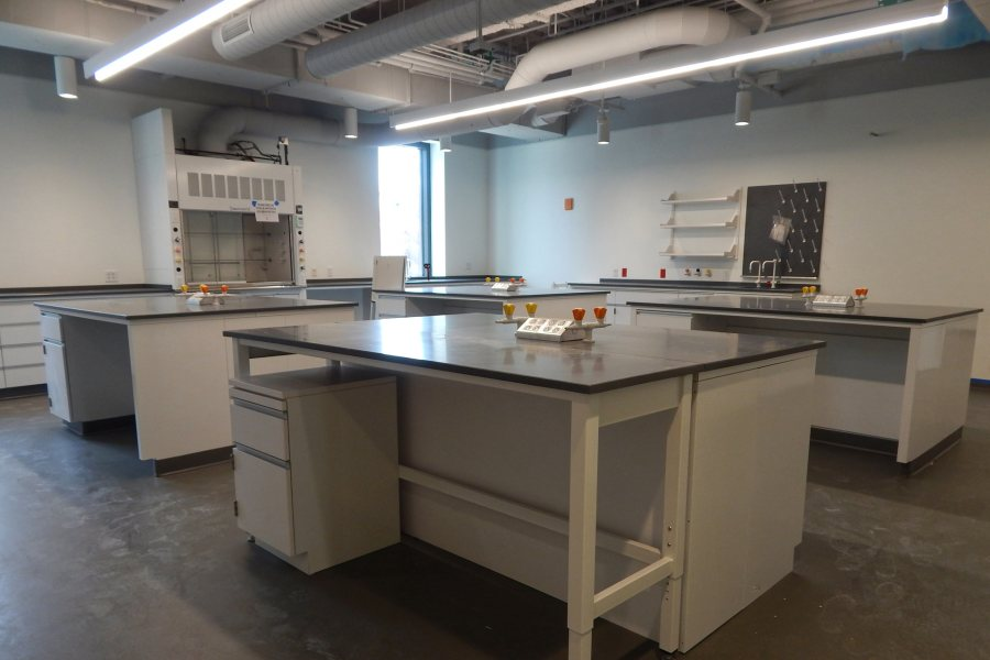 A Bonney Center chemistry teaching lab. The chem labs tend to be smaller than the biology labs because, as construction administrator Jacob Kendall says, different chemistry processes don't always play nicely together. (Doug Hubley/Bates College)