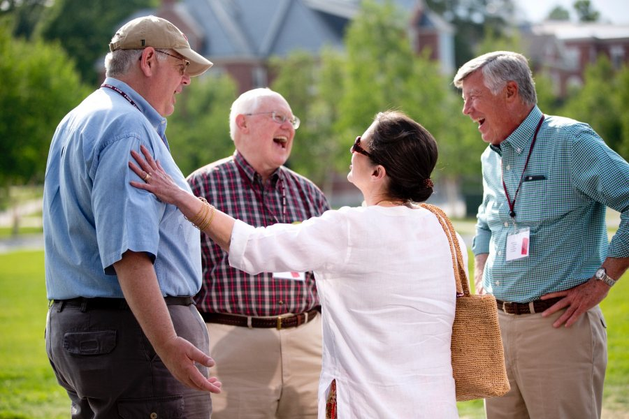 Alumni arrive to register on late Friday afternoon for Reunion 2015, greet each other, and enjoy a Lobster Bake in Commons.